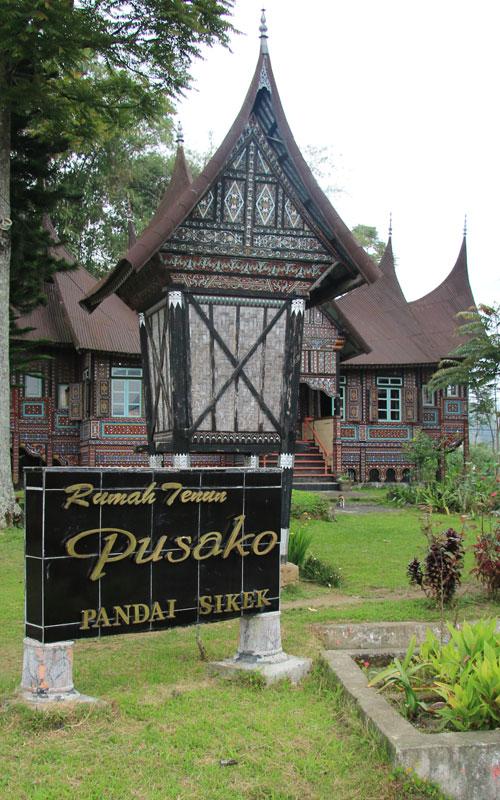 Rumah Tenun Pandai Sikek